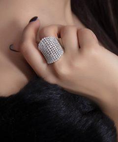 خرید انگشتر کار شده با نگین طرح جواهر